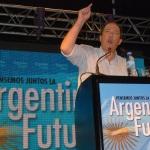 Sanz lanzó su precandidatura presidencial