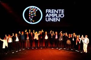 Frente-Amplio-Teatro-Broadway-Tesone_CLAIMA20140422_0222_14